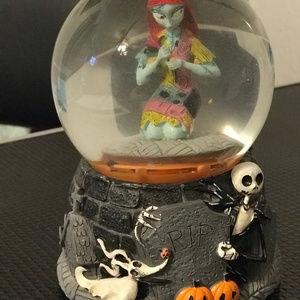 """Nightmare Before Christmas """"Sally"""" Snow Globe"""